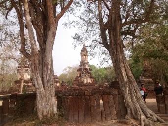 Wat Chedi Chet Thaeo